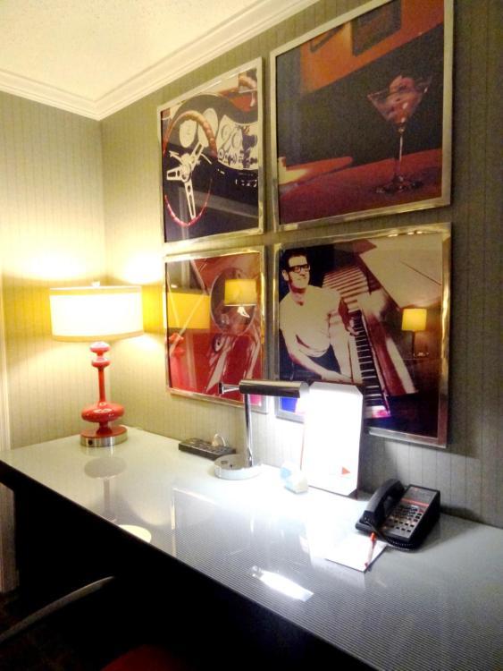 Hotel Rouge Washington DC - Desk and Design
