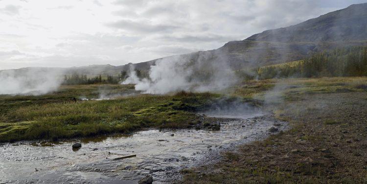 Golden Circle Tour: Iceland Geyser